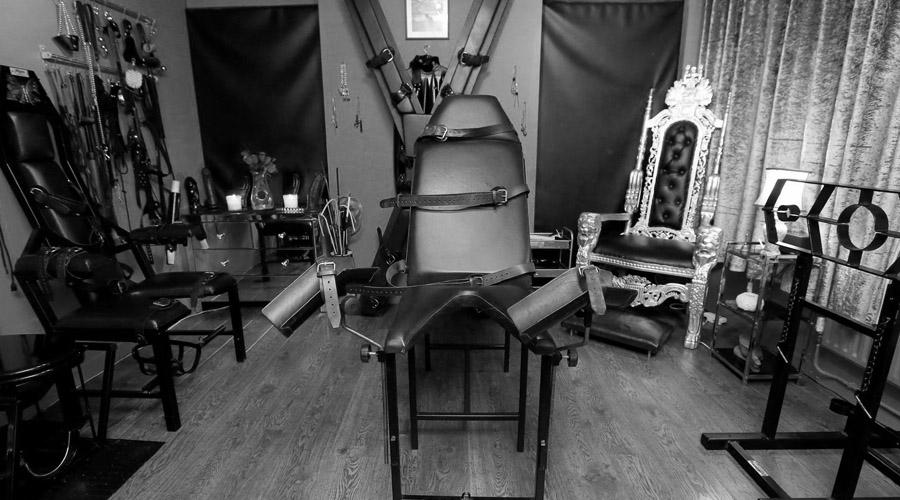 Comprar mobiliario BDSM y máquinas para Mazmorras